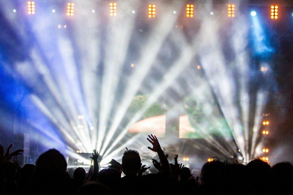 Darmowe bilety na mecze i koncerty. Jak załatwić wejściówkę?