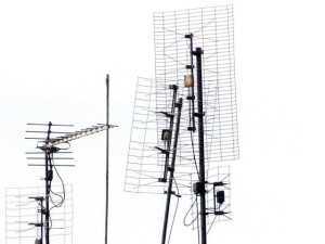 Antena do odbioru telewizji cyfrowej.
