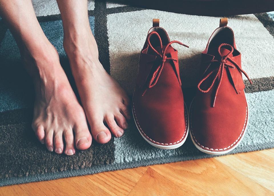 Czerowne buty męskie. Czy mężczyźnie pasują czerwone buty?
