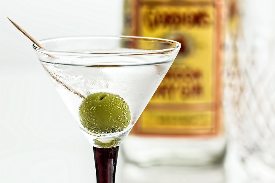 6 prostych drinków na Sylwestra [PRZEPISY]