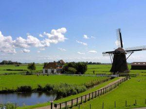 Holandia to Niderlandy. O co chodzi?