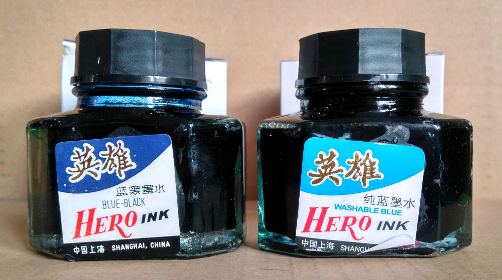 Atrament do pióra Hero Blue-Black i Hero Blue-Washable w oryginalnych buteleczkach