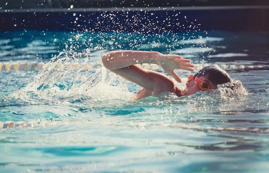 Jak wybrać najlepsze okularki do pływania?